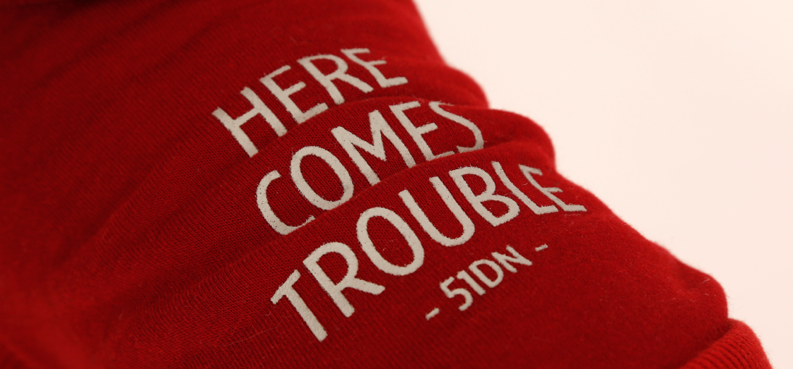 Sweater with text Tussenbanner