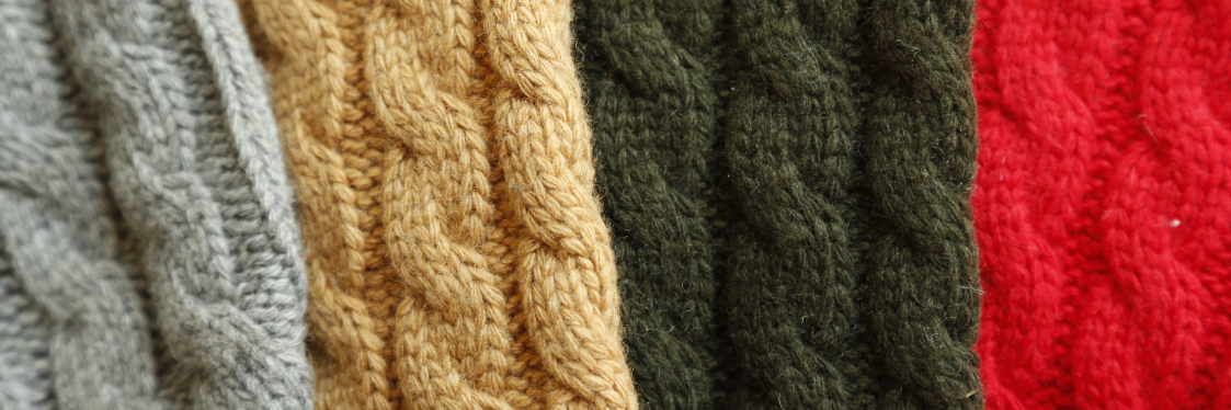 W20 - Dogcoats - Cosy Cable Sweater Banner